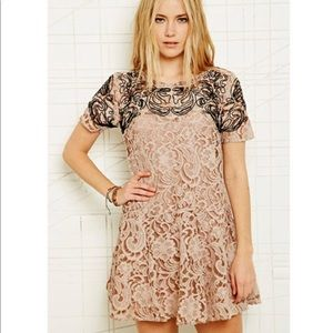 Free People Dresses - Free People Beautiful Dreamer Lace Dress